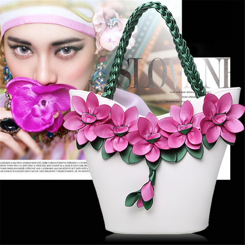 Splicing contrast flower woven shoulder bag