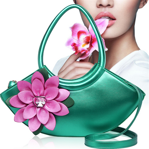 Fashion three-dimensional flower crossbody bag