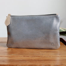 Load image into Gallery viewer, Pochette Silver Houndstooth