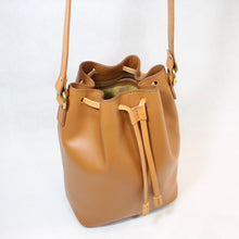 Load image into Gallery viewer, Bucket Bag Mini Tan