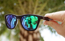 Load image into Gallery viewer, DLV SUNGLASSES