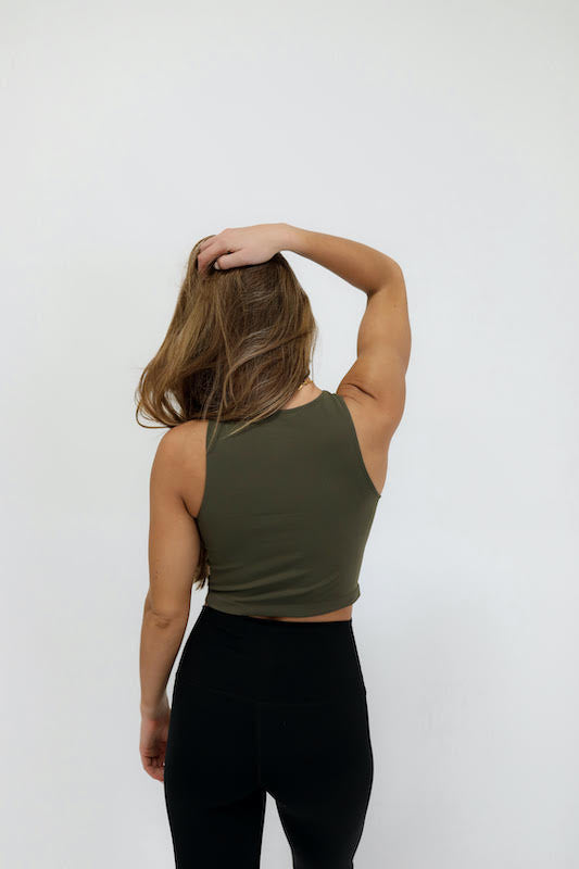 meredith basic crop top