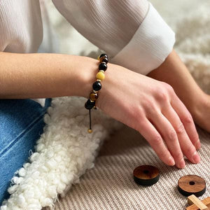 Gold of the Sea  | Amber - Black Onyx - Yellow Tiger Eye Bracelet in Gold/Silver | 10MM - CLUB EQUILIBRIUM