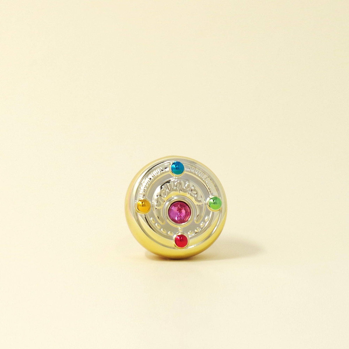 Creer Beaute Sailor Moon Multi Carry Balm Hensin Brooch Compact