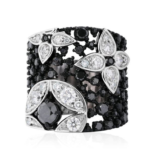 18K White Gold Lucilla Collection Black and White Diamond Ring