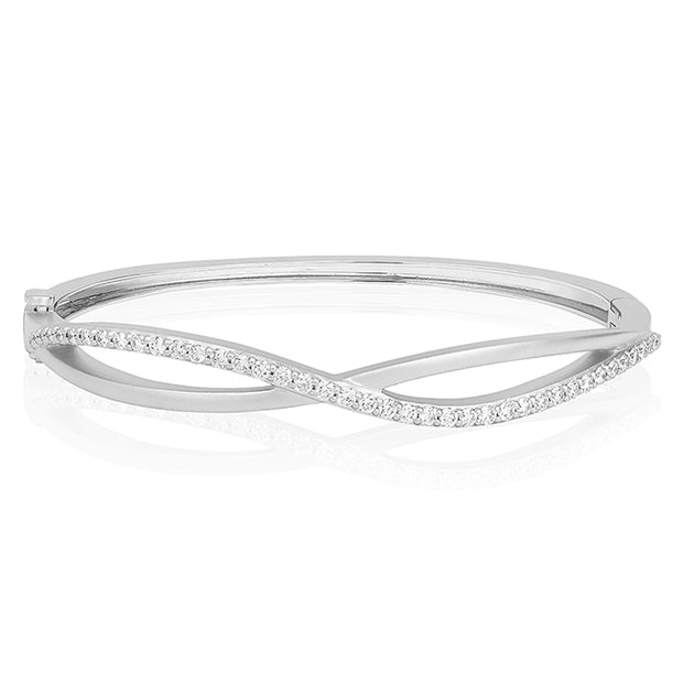 18K White Gold Crossover Bracelet with Round Diamonds