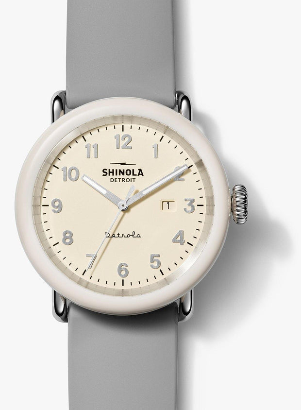 "Detrola ""The Pine Knob"" 43mm Watch with Cream Dial and Gray Silicone Strap"