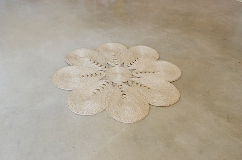Natural jute flower rug. Large jute rug. Big flower rug. round jute rug.