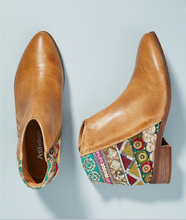 Load image into Gallery viewer, Vintage Classic Jacquard Stitching Ankle Boots