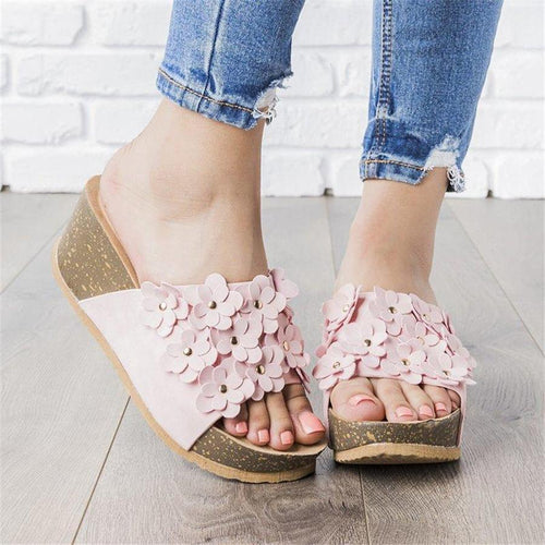 Flower Rivet Super Light Platform Slippers