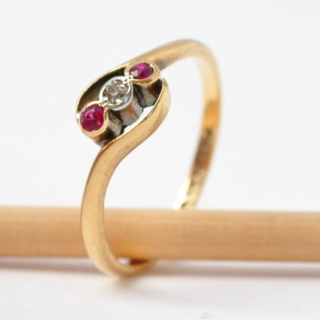 Ruby Diamond Rings: 18K Gold & Platinum, Size 5.75
