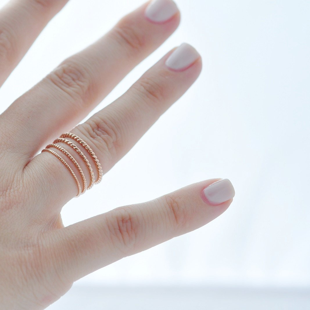 Rose Gold Wedding Band: 18K Twist