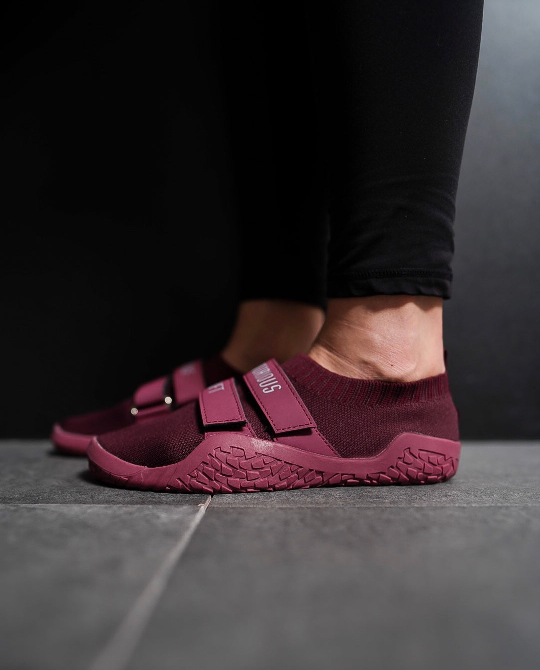 SUMO SOLE SLIPPERS: MAROON EDITION