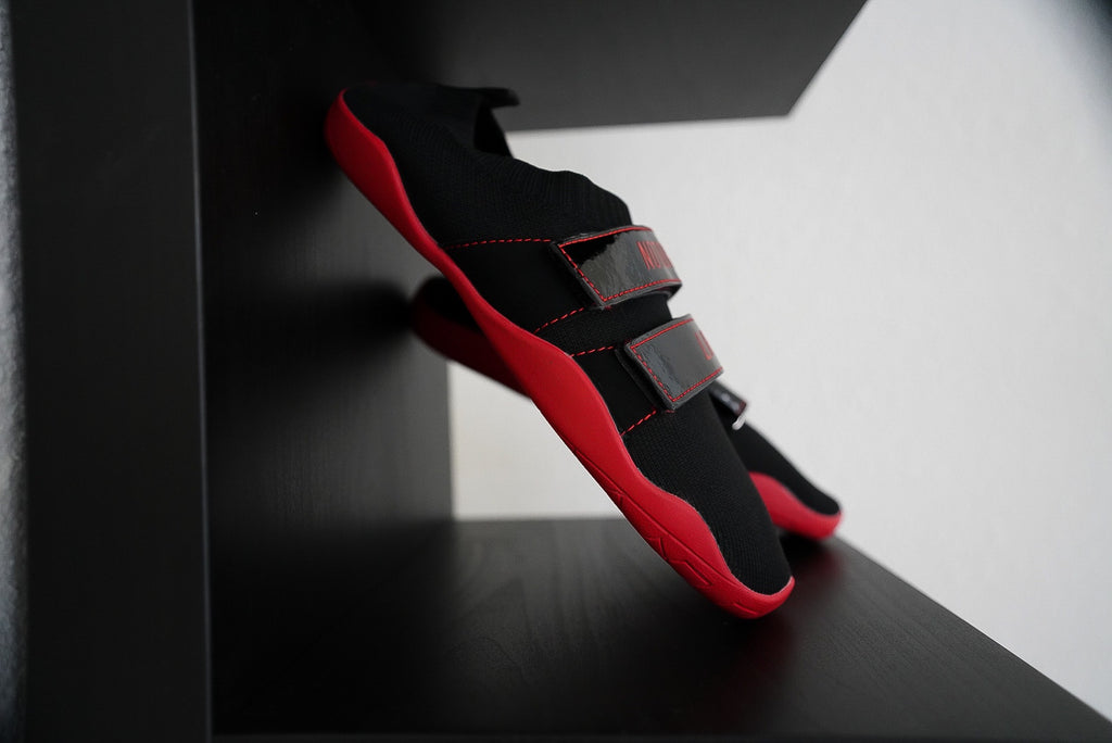 Notorious Lifters Gen 2 Black/Red Inverted