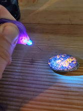 Load image into Gallery viewer, 365nm unfiltered UV keychain light (No Yooperlite included) light only