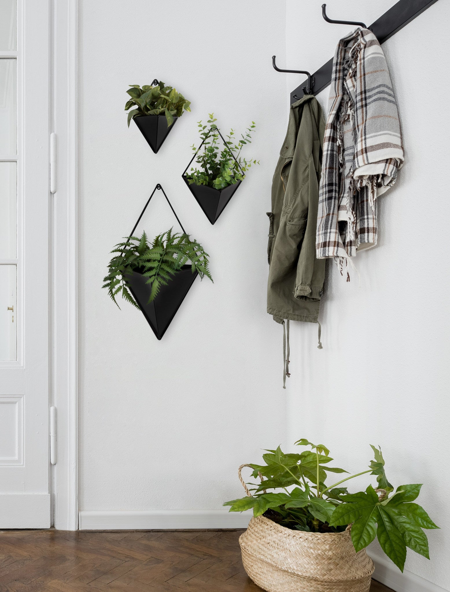 Hanging Planter, Modern, Black