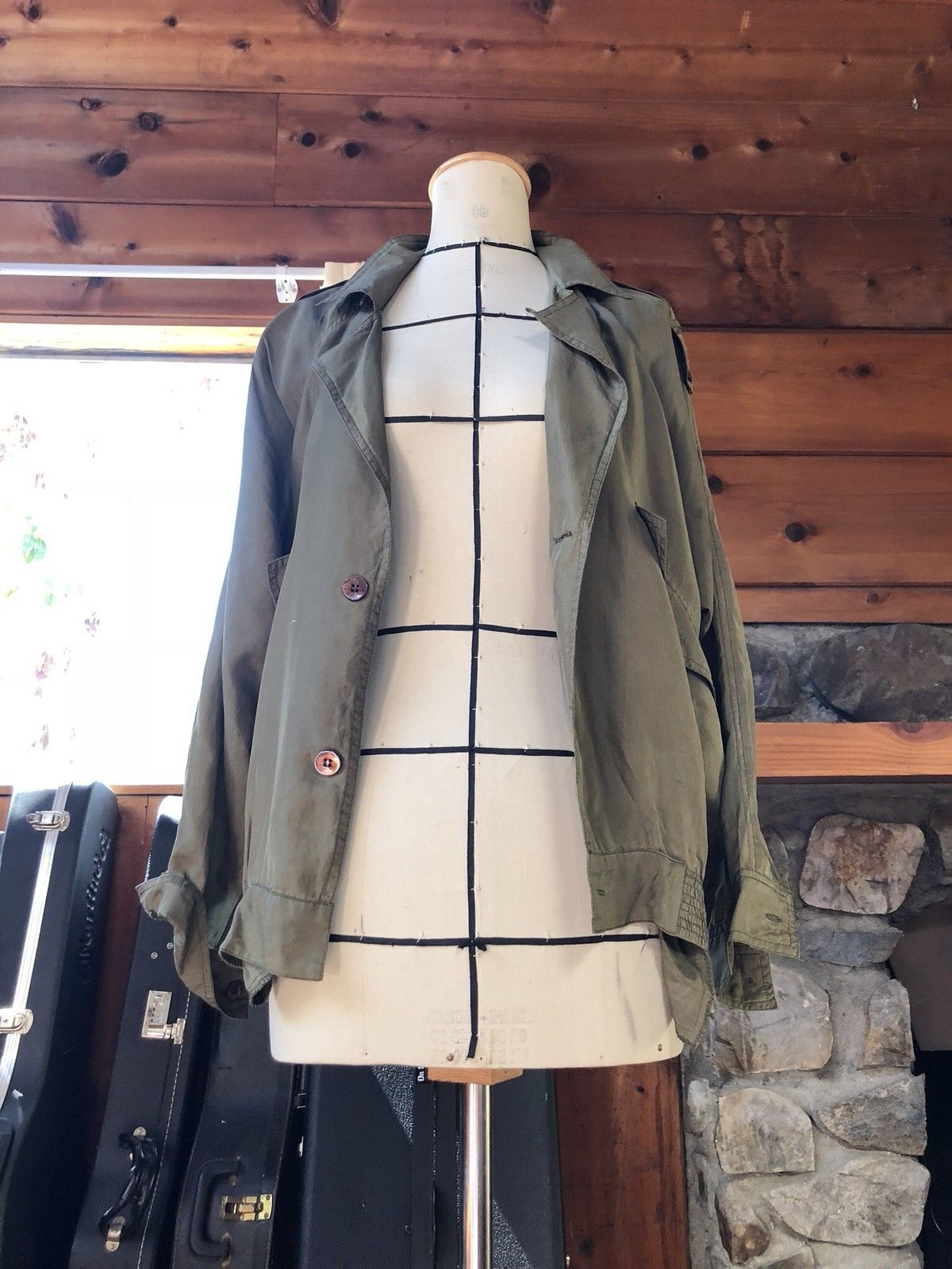 00a761aad7a ... Load image into Gallery viewer, Vintage cropped deconstructed trench  jacket olive green sage 100%