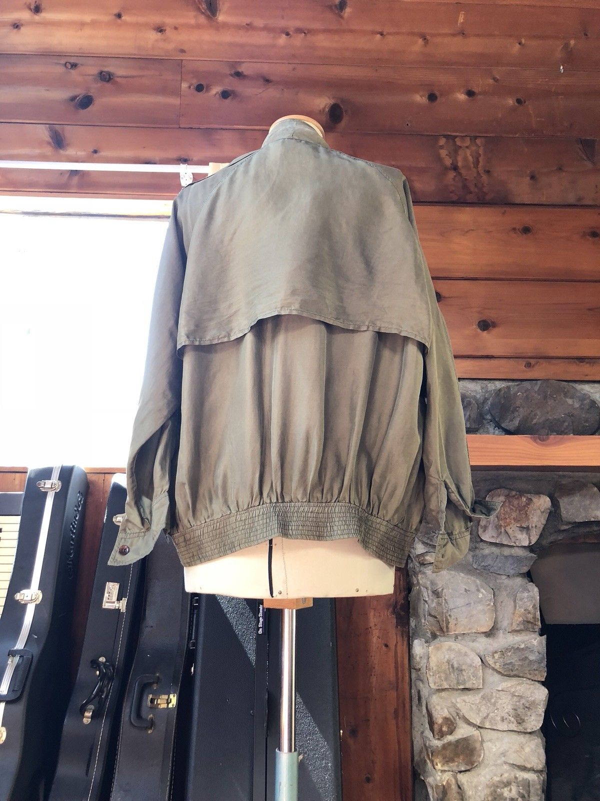 d8305b2068a ... Load image into Gallery viewer, Vintage cropped deconstructed trench  jacket olive green sage 100% ...