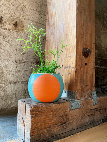 Big Dot Pot Planter, Blue Sky