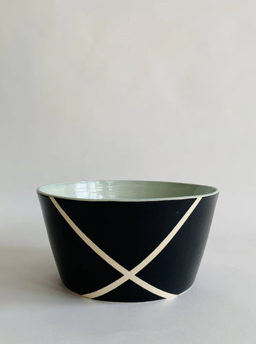 Argyle Black and White Fruit Bowl