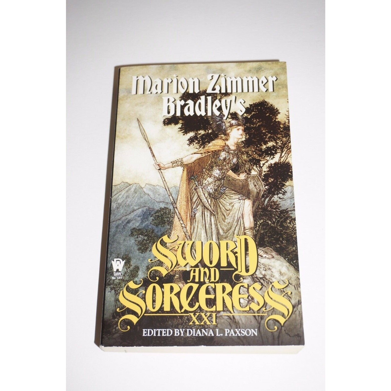 Sword And Sorceress By Marion Zimmer Bradley Book paperback fiction Read used book