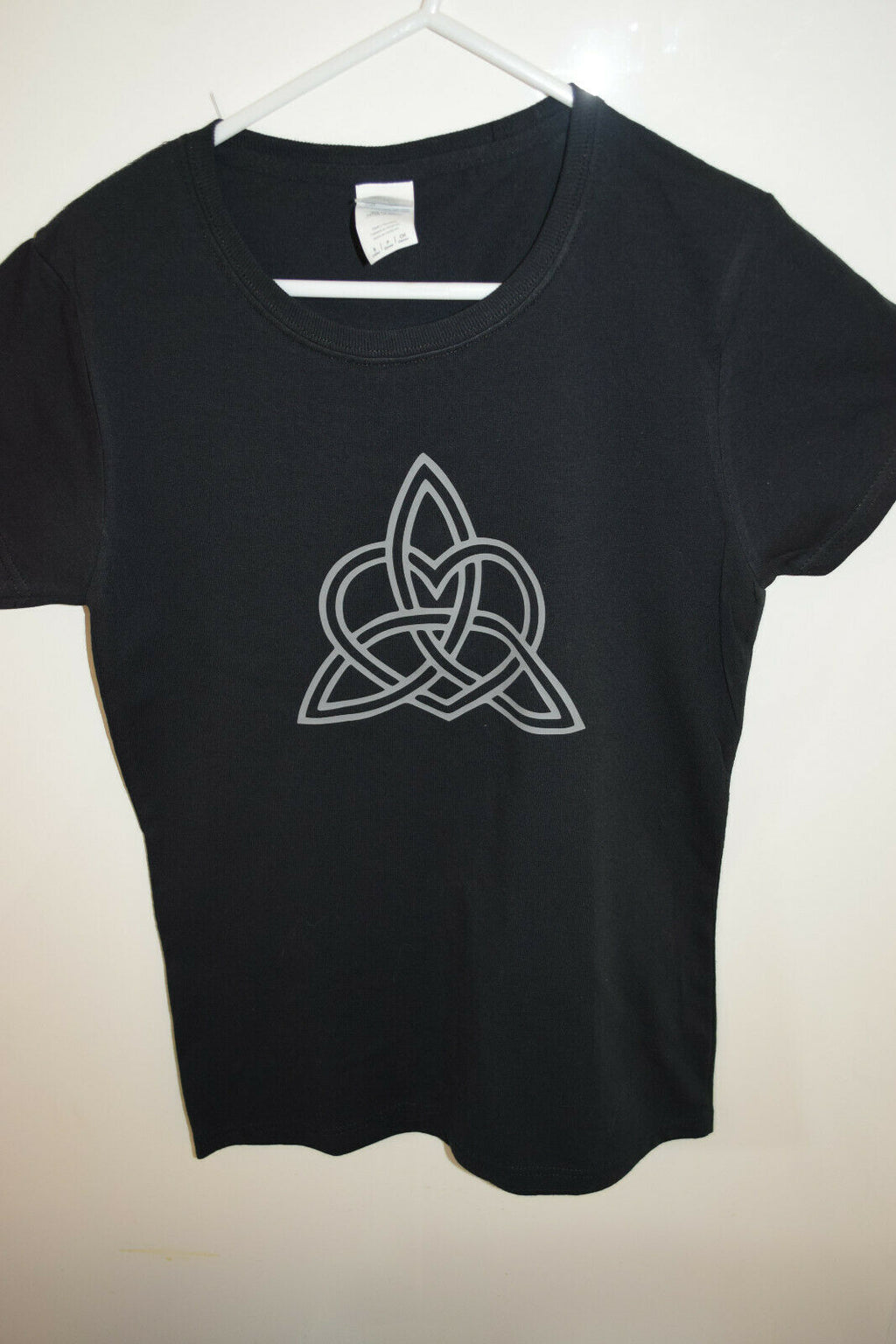 Triquetra Black cotton t-shirt ladies top shirt women's Size 8 small Celtic