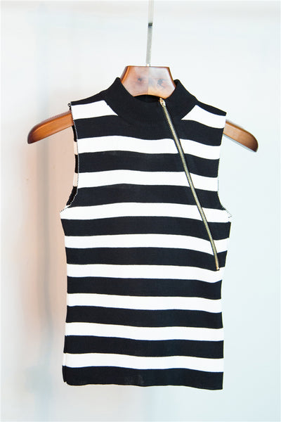2018 Winte New sleeveless knitted base coat with stripes for women