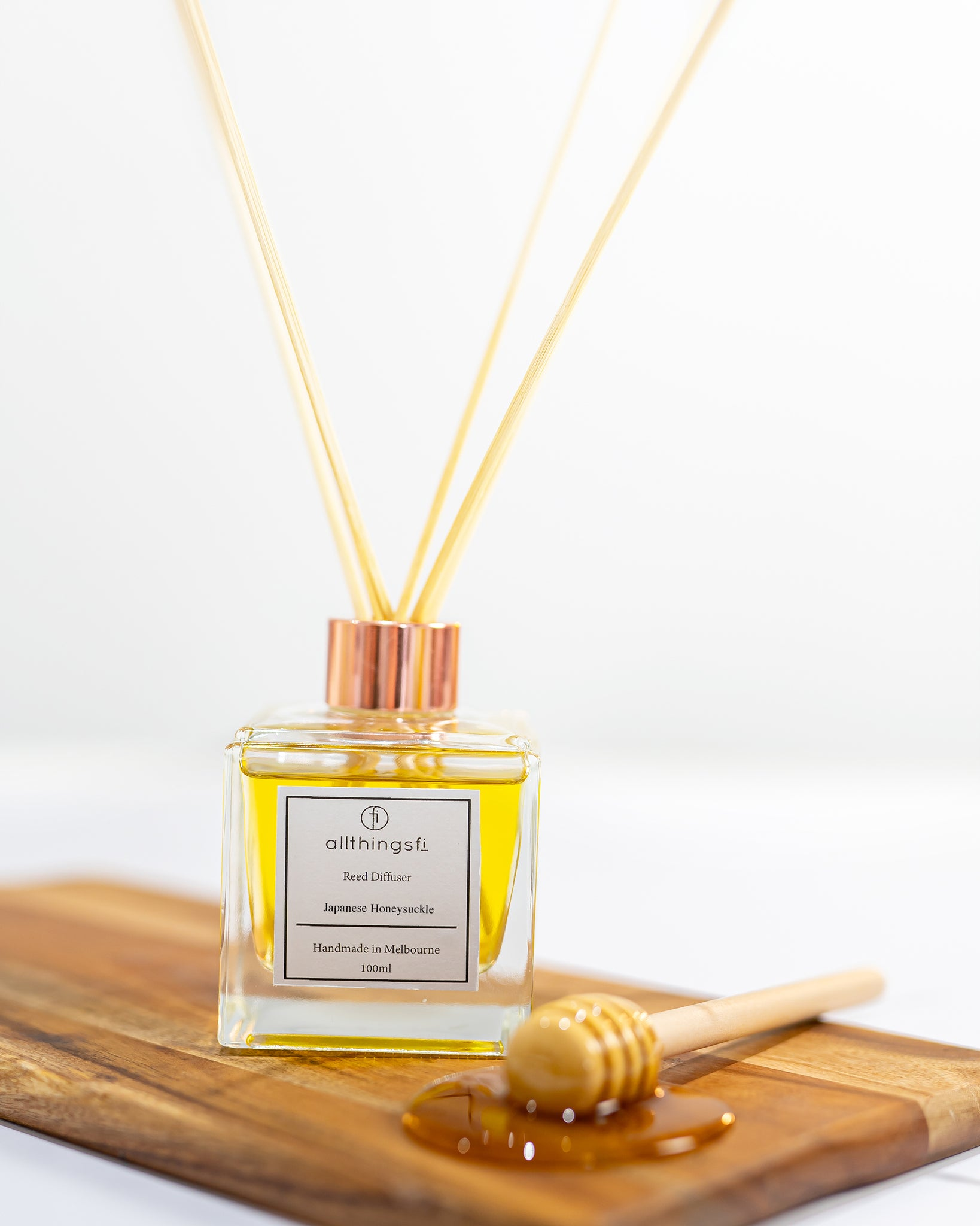 Reed diffuser - Japanese Honeysuckle