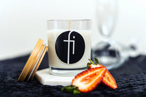 Soy Candle - Champagne Strawberries
