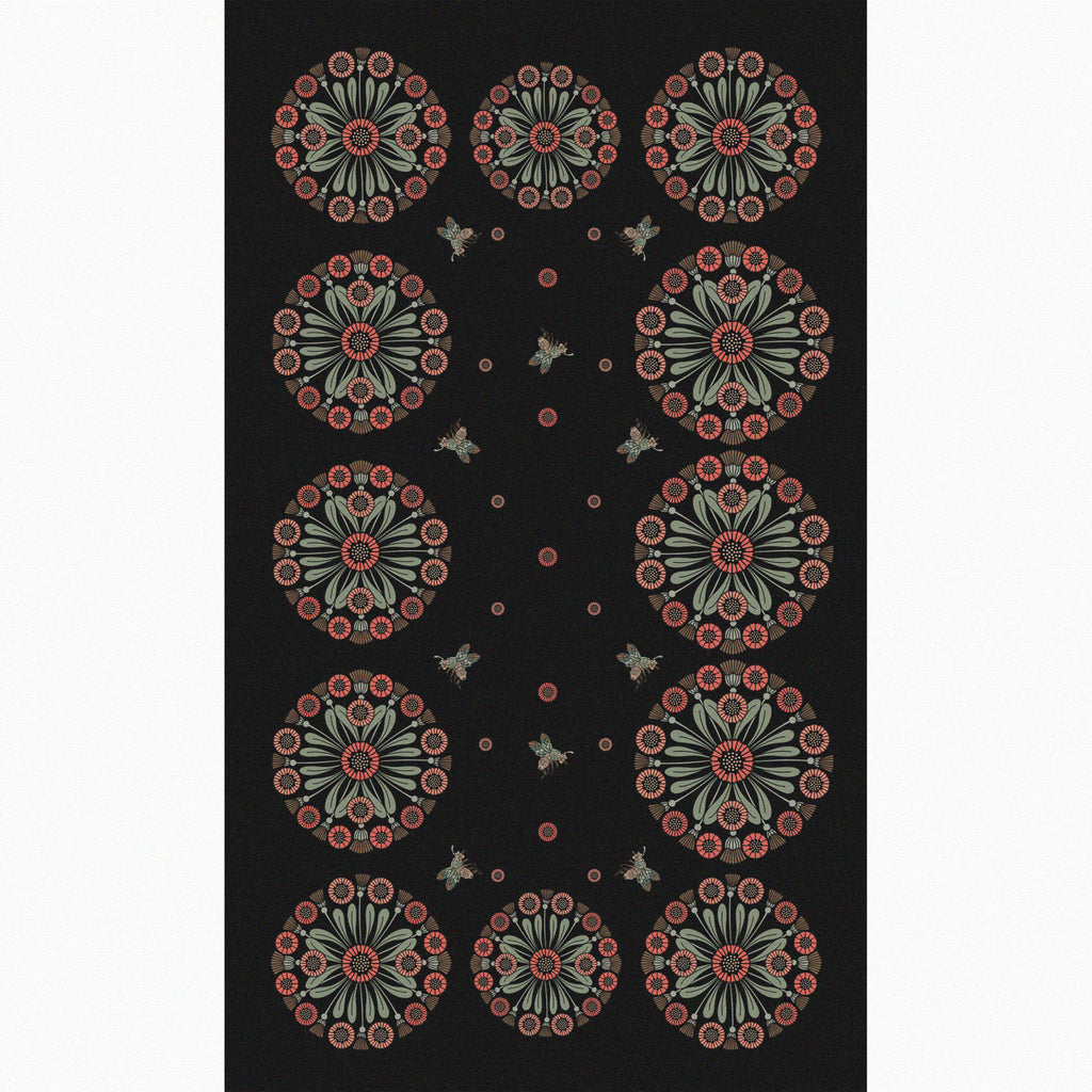 """Daisy Chain"" Linen Tablecloth"