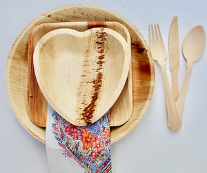 "disposable palm leaf plates 10 pic 6x9"" - 10 pic 6: heart and 75 pic cutlery wooden brich"
