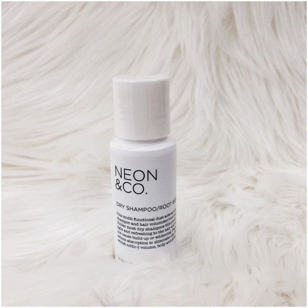 Bottle - Neon & Co Dry Hair Shampoo