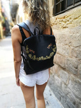 Load image into Gallery viewer, Black leather backpack