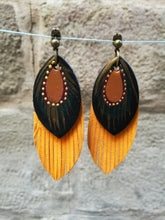 Load image into Gallery viewer, small fringe leather earrings pendientes  fleco s