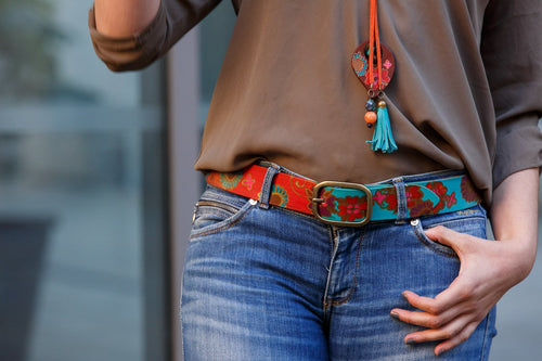 Leather belt with mexico flowers design