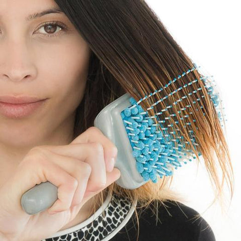products/Walastyle-magic-hair-brush-towel-blue-magic-hair-brush-towel-02.jpg