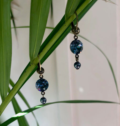 Earring Dangling Crystal Chameleon - denim