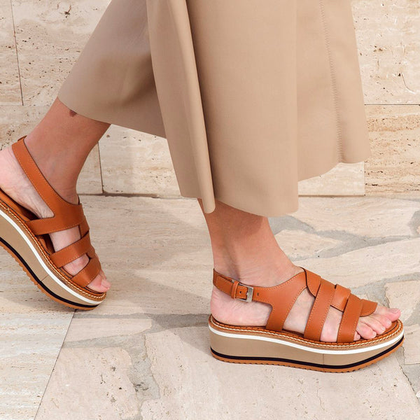 Filoe Interlocking Leather Flatform Sandals