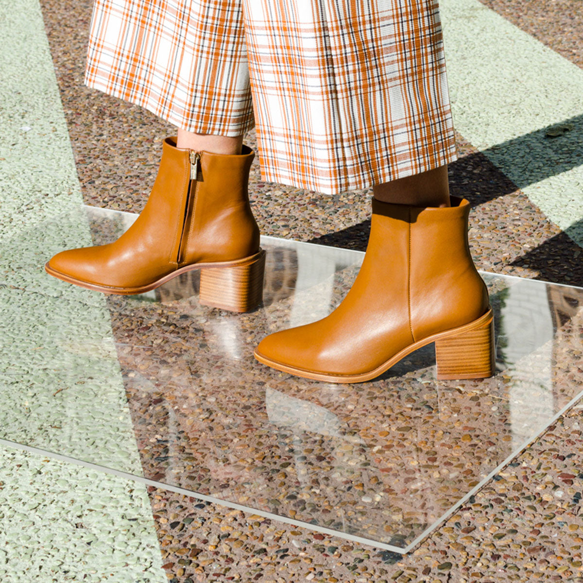 Xenia Mid Heel Leather Ankle Boots