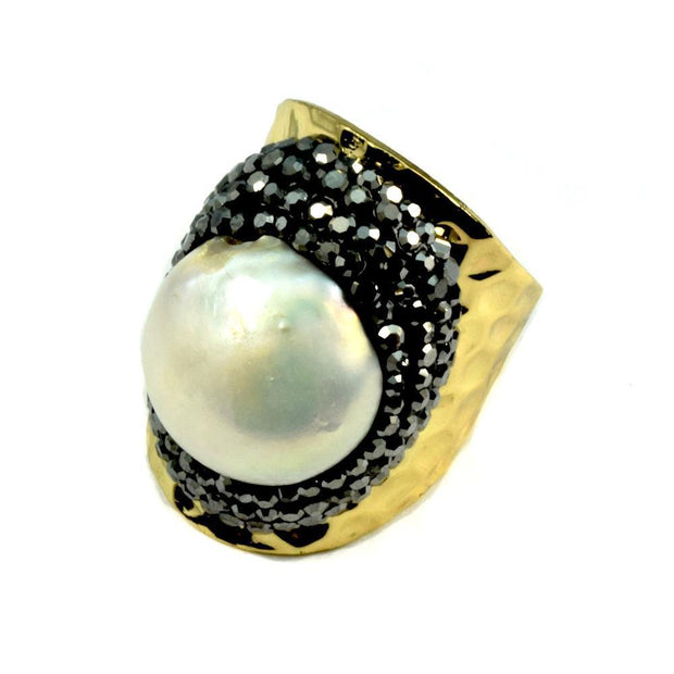 Pearl Ring Surrounded by Pave Crystals Women - Jewelry - Rings Christy Jean Boutique Default Title