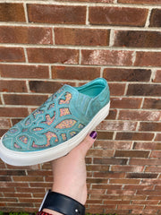 Turquoise inlay sneaker