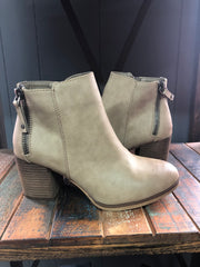Harleys Favorite Boot in Taupe