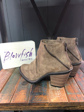 Load image into Gallery viewer, Taupe Liberty Blowfish Boots