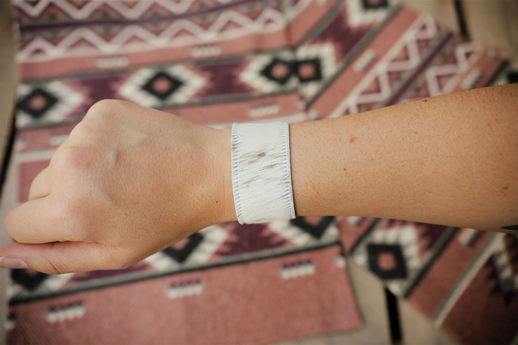 The Creamy Cowhide Snap Bracelet