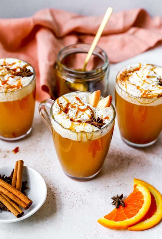 cups of spiced hot apple cider