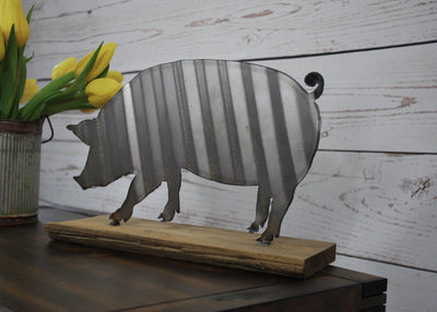 Corrugated Metal Pig Sign