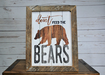 Fathers Day Gift, Cabin Sign, Don't Feed the Bears with a Bear Picture, Bear Decor, Cabin Decor, Dad Gift, Hunter Gift, Hunting Gift