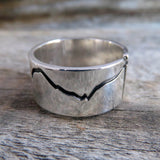 Wide band mountain ring side