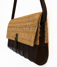 Load image into Gallery viewer, Mud Cloth Leather Messenger Bag