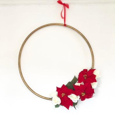Easy Floral Christmas Hoop DIY